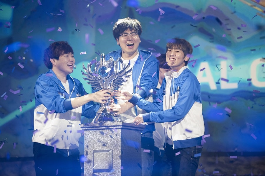 eSports World Champions 2017 MVP Black