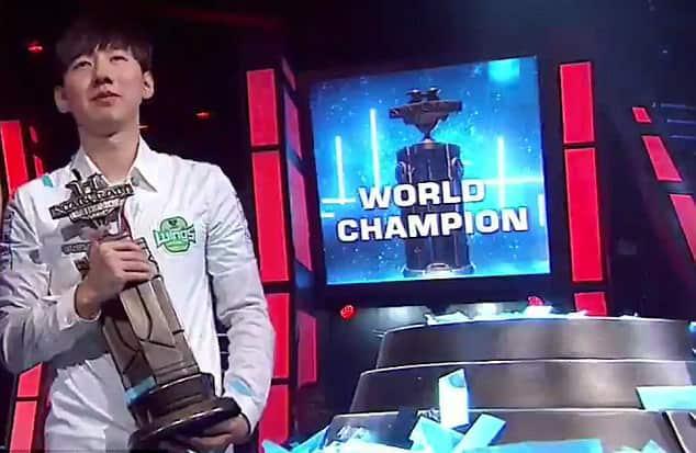 eSports World Champions 2017 Rogue